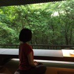 茶道文化体験の前の心を落ち着けるひととき。